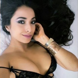 free sexy woman show